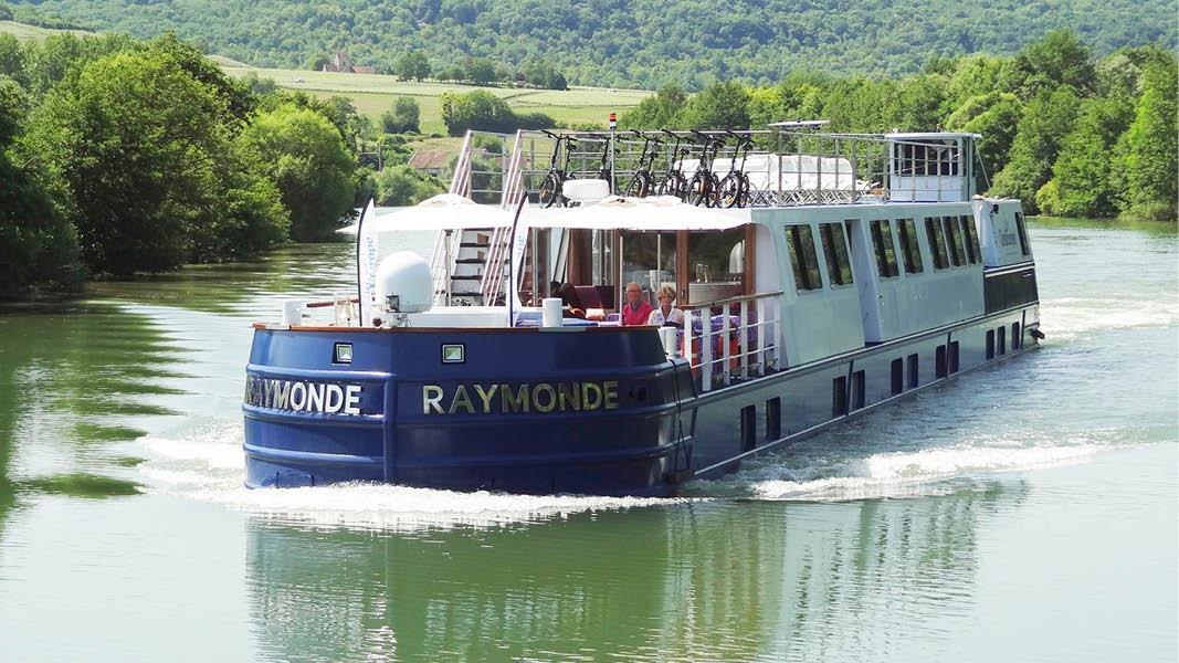 MS Raymonde, Paris