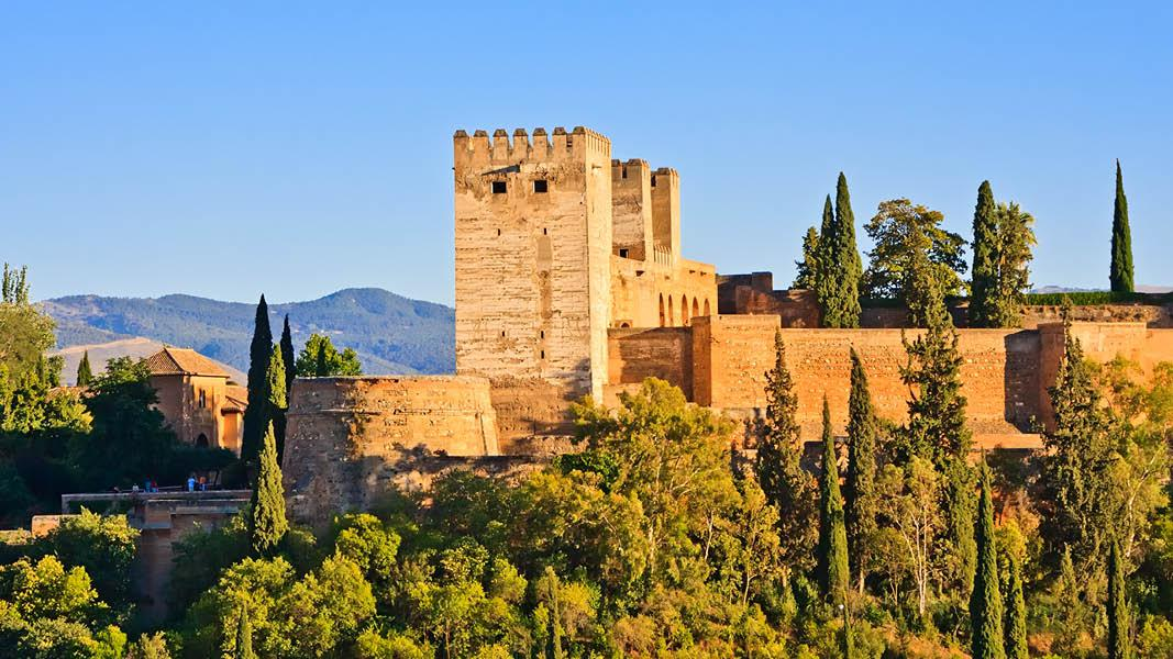 Alhambra i Andalusien