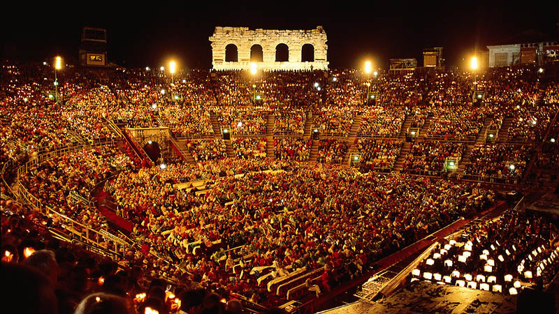 Opera i Verona, arena, operarejse