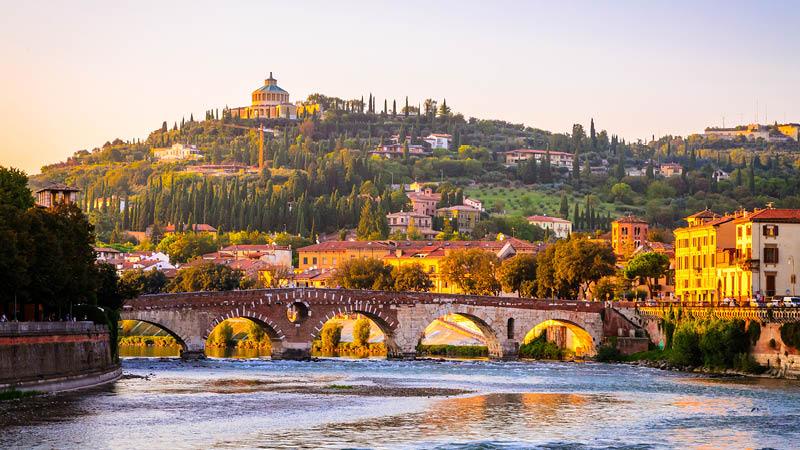 Top 10 i Verona, Italien, operarejse