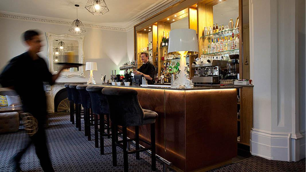Bar p� Alverton Hotel, Truro, Cornwall