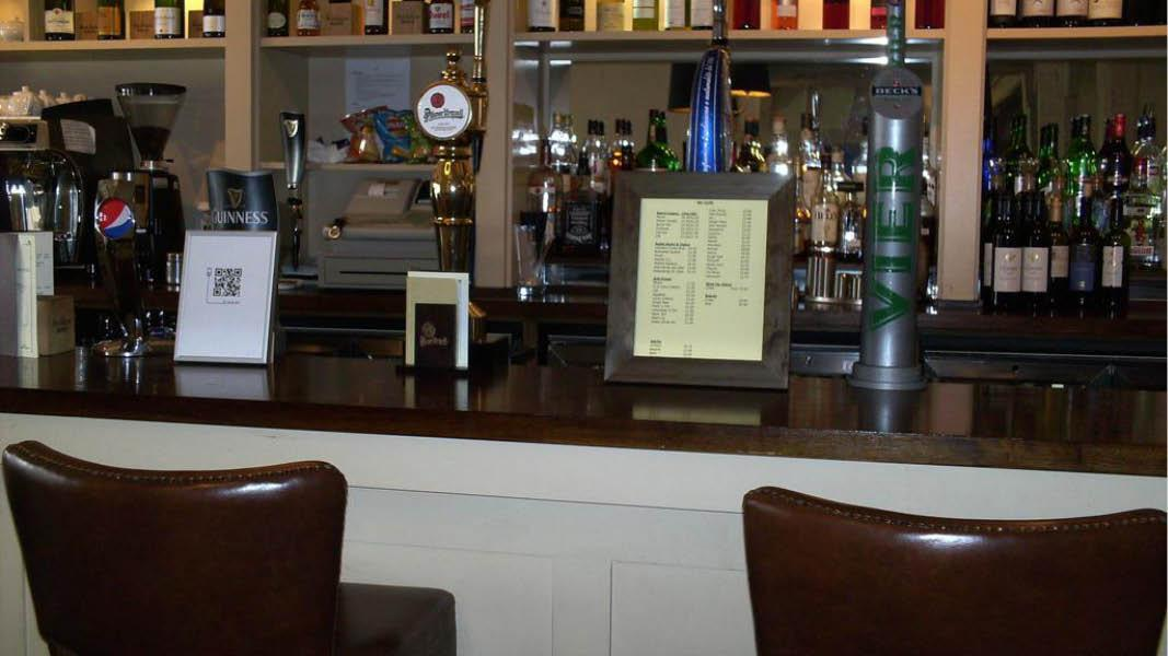 Velassorteret bar p� BW The Rose And Crown Hotel, England