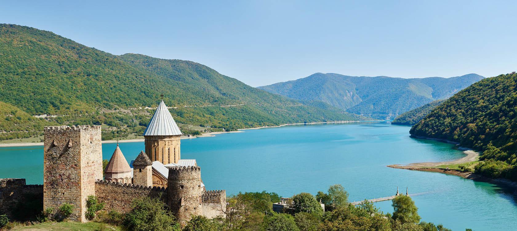 Ananuri i Georgien rundrejse georgien og armenien