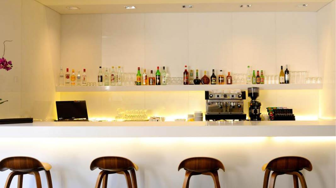 bar p� hotel Jerusalem towers Hotel