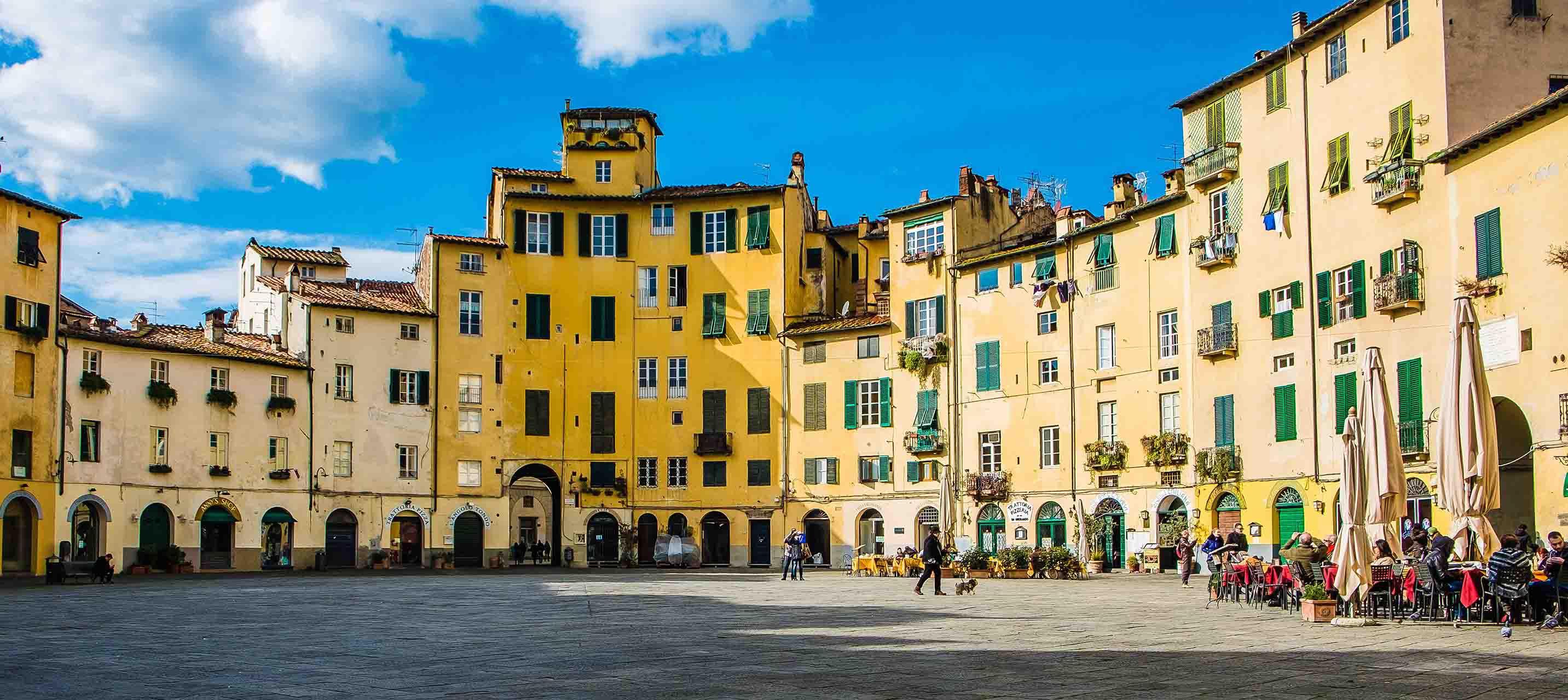 Torvet i Lucca, Italien