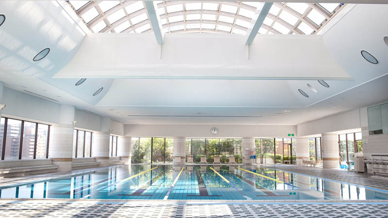 Indend�rs swimmingpool p� Rihga Royal Hotel Osaka