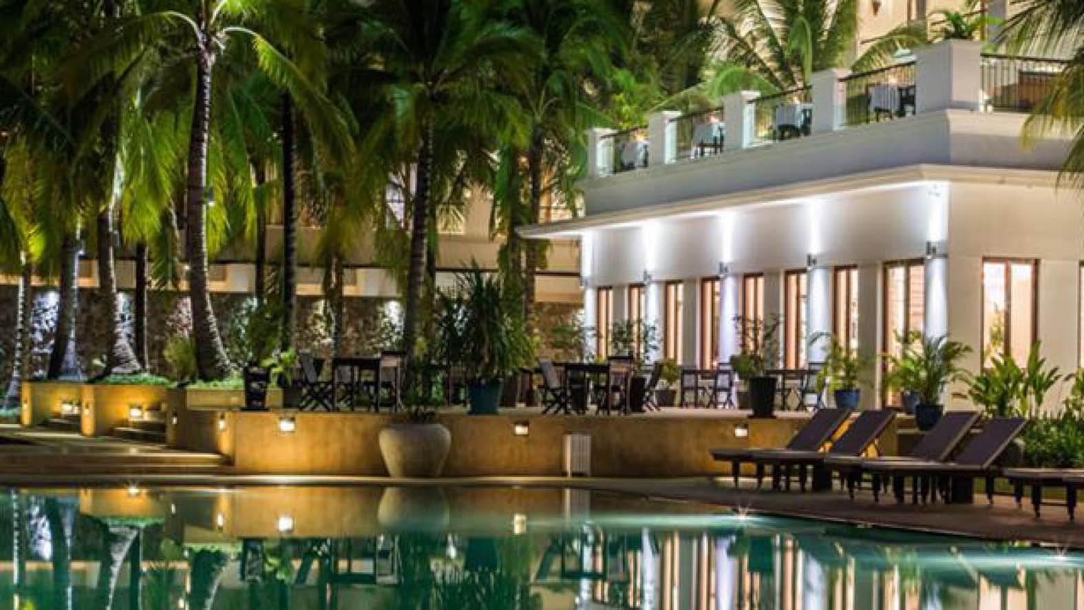 Pool på Lotus Blanc Resort