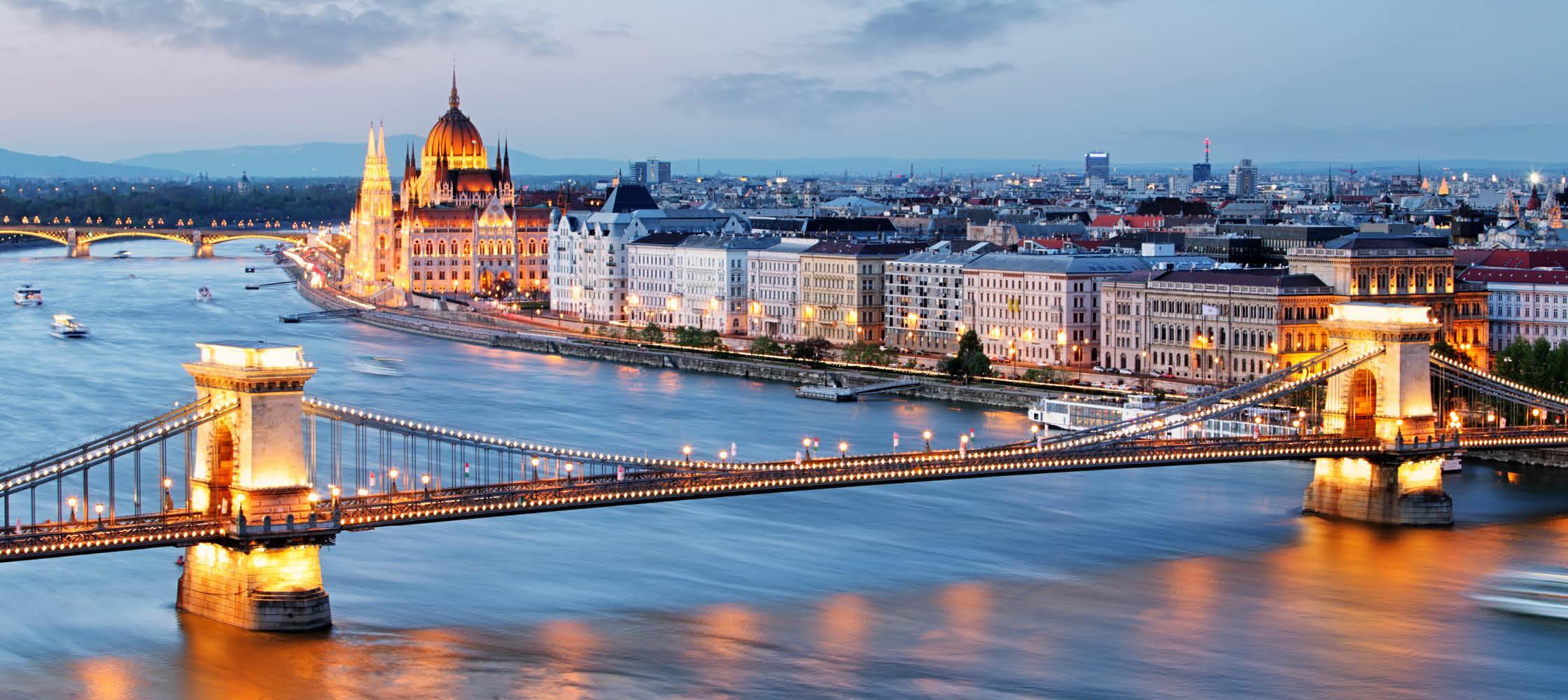 Nytårssejlads på Donaufloden, bl.a. gennem Budapest, med Kulturrejser Europa