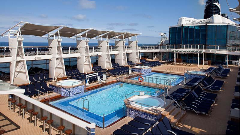 Udend�rspool p� Celebrity Infinity