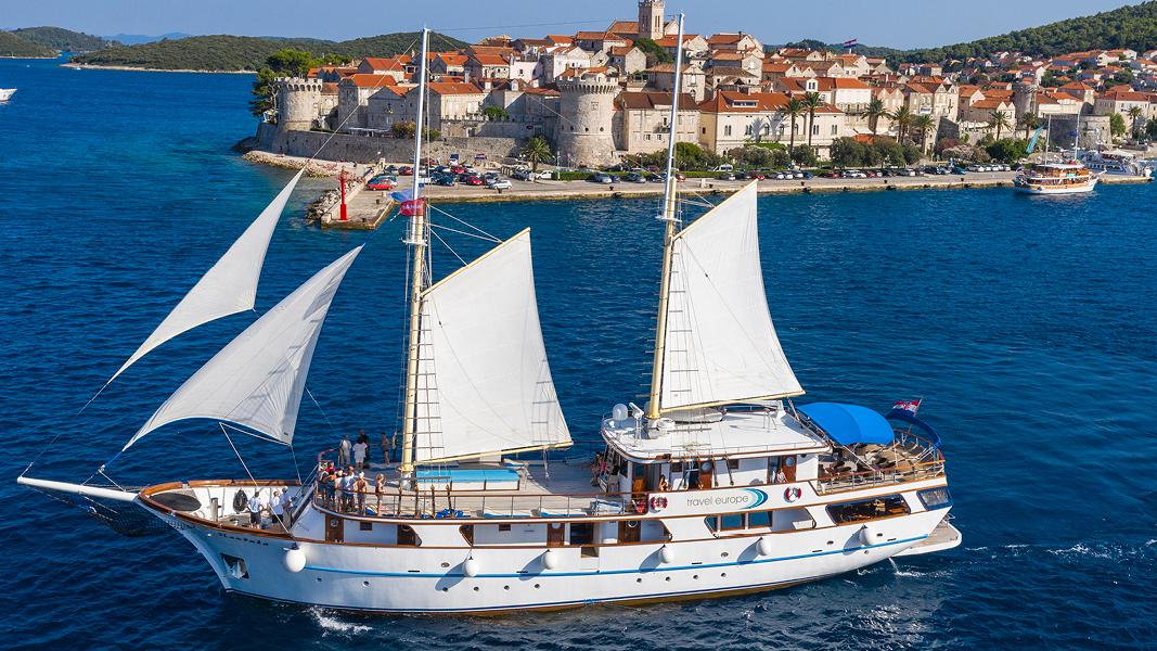 Skibet Mendula i den kroatiske skærgård