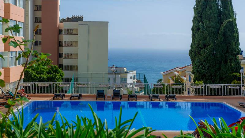 Nyd udsigten fra Dorisol Estrelicia Hotel