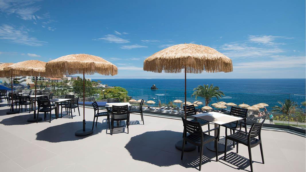 Pool med udsigt og lobby, Hotel Baia Azul, Madeira