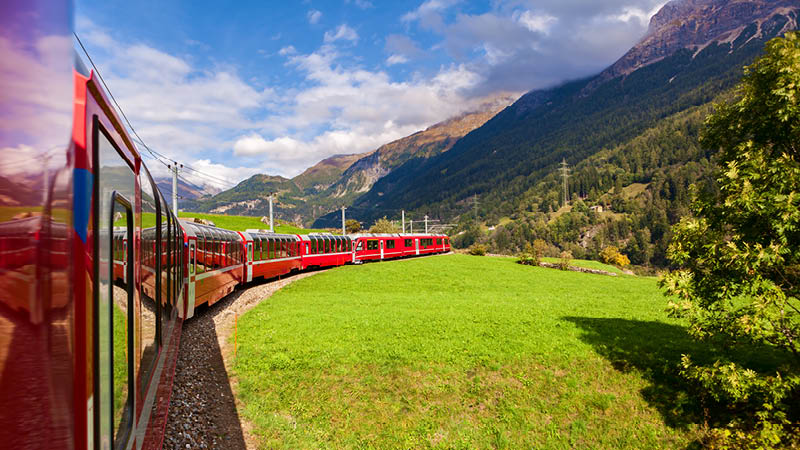 Rejs med Gletsjer-ekspressen rundt i Schweiz