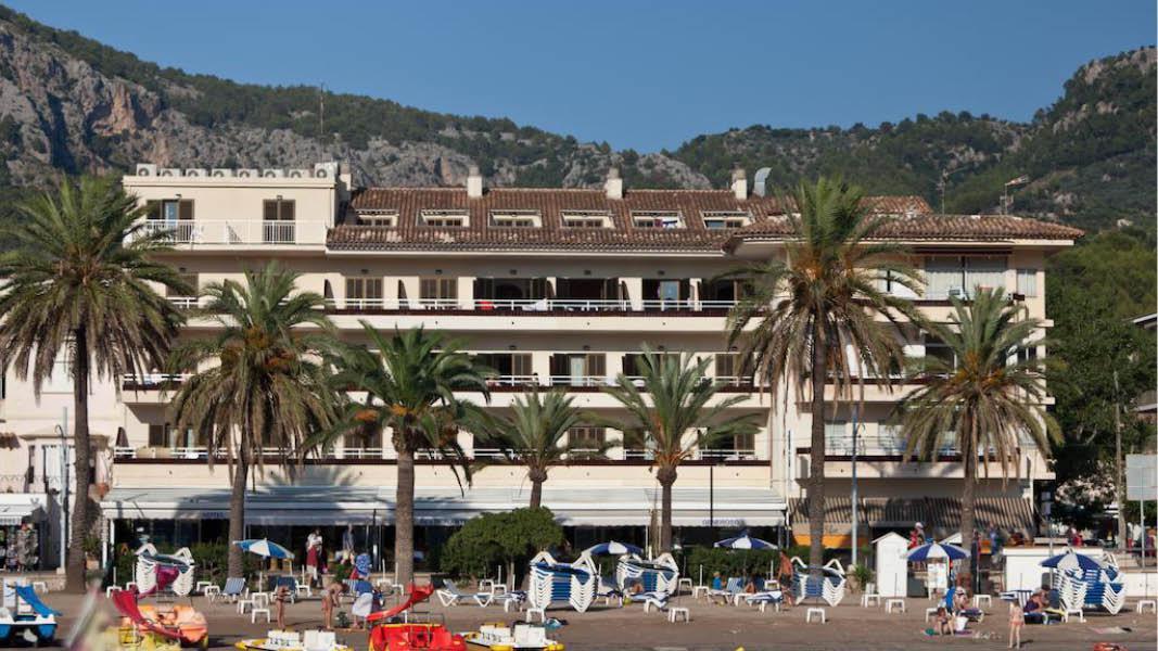 Udsigt til havnen fra Hotel Generoso, Puerto de Sóller, Mallorca