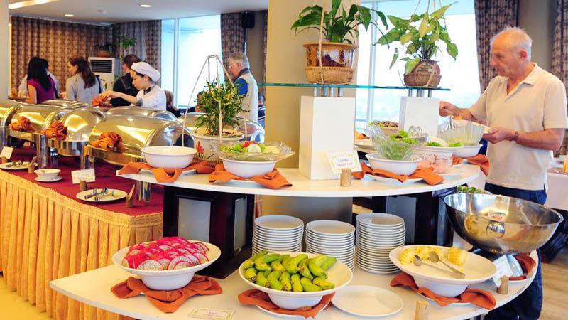 Morgenmadsbuffet mondial hotel hue